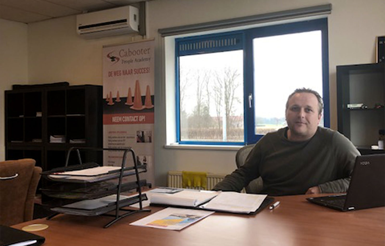 office desk Danny Potthoff